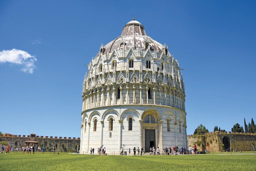 Pisas verdensberømte skæve tårn